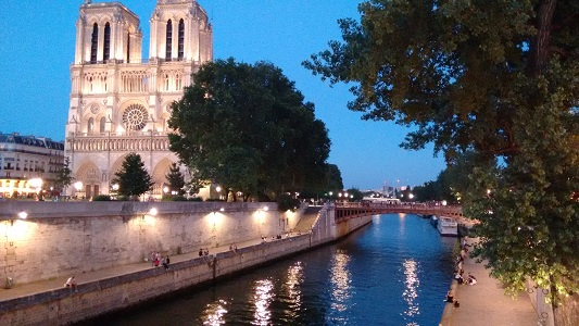 Walking Paris in Three Days- notre dame