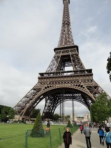 Eiffel Tower Travel guide to enjoy Paris in three days: Paris second day