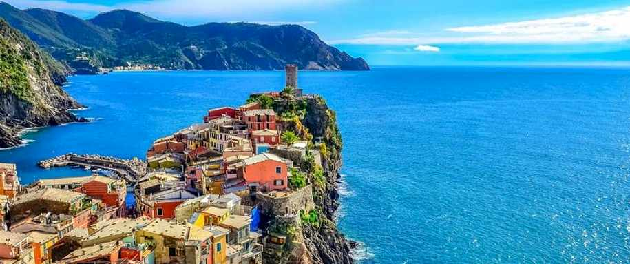 Cinque terre Italy : Places That Hate Tourists