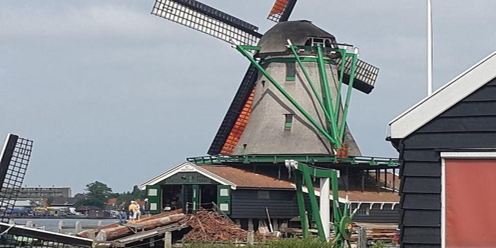 Windmill zaanse schans Holland