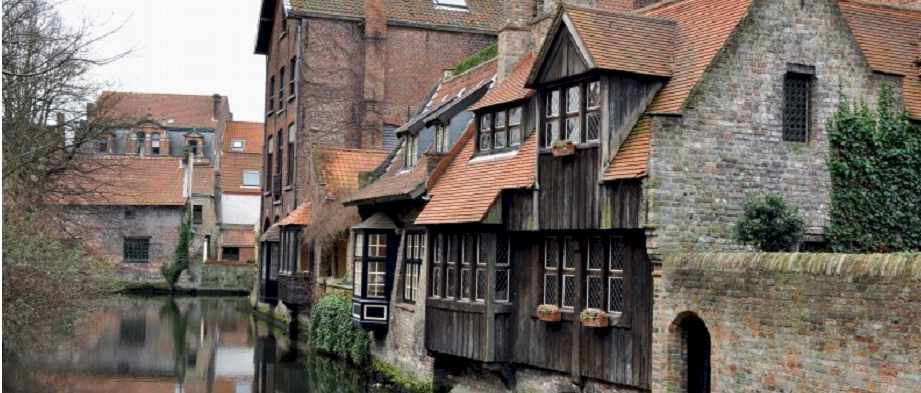 Bruge Belgium : Places That Hate Tourists