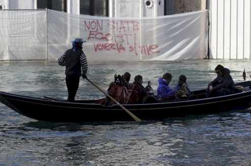 Venice Italy : Places Hate Tourists
