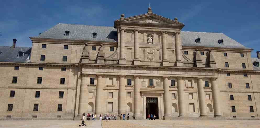 Royal Palace San Lorenzo del Escorial Front-* One day in Madrid