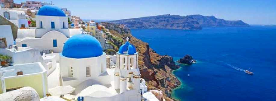 Santorini : Places That Hate Tourists