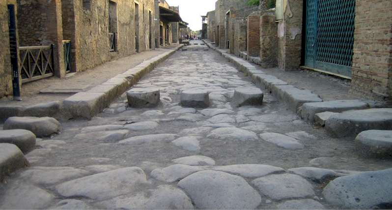 Street of Pompeii -Walking Erotic Pompeii Vettii House- Italy