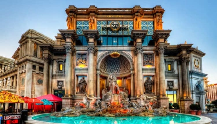 Replica of the Fontana di Trevi-Las Vegas: Traveling Europe Without Leaving the United States