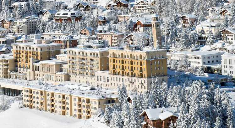Kulm Hotel -Meadows, Snow and Mountains in Saint Moritz