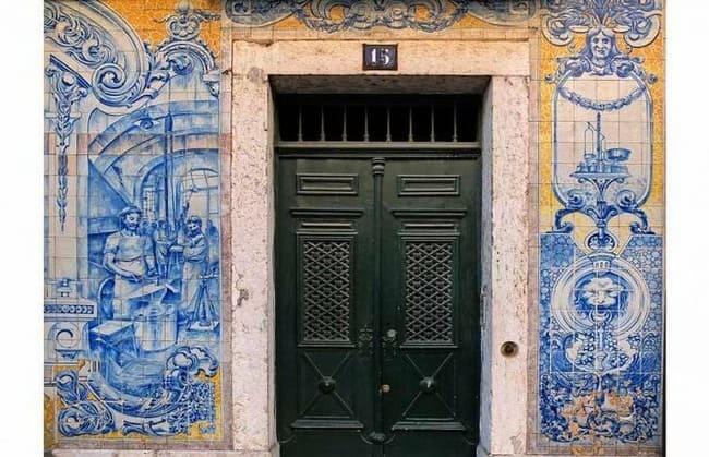 My Lovely Days in Lisbon - Alfama Neighborhood