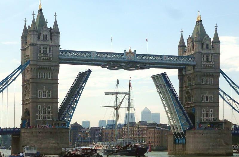 tower bridge - London 125th opening