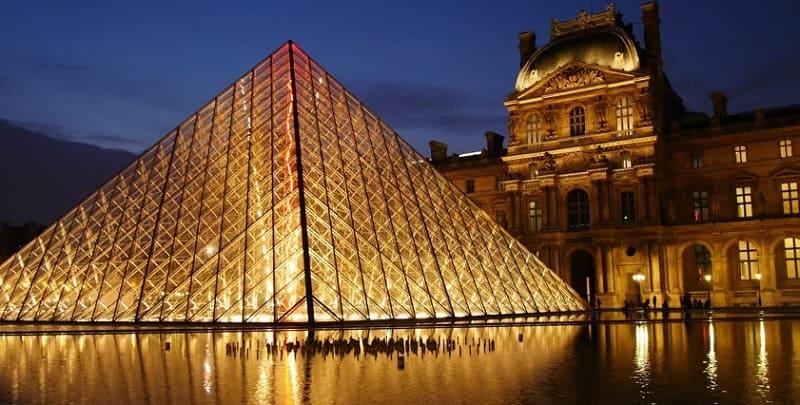 inema Paradiso Louvre Museum