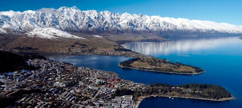 Overtourism in New Zealand – New eTA Tax (IVL) The Government of New Zealand announced that from July 1, 2019 a tourist tax is charged between 25 to 35 local dollars (from 17.4 to 24.4 dollars or 15 to 21 euros). This is due to the over-tourism that affects New Zealand.