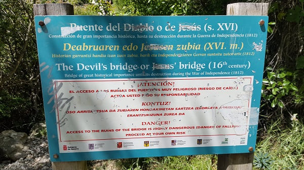 Devil's Bridge - Natural Reserve Foz de Lumbier's fluvial canyon
