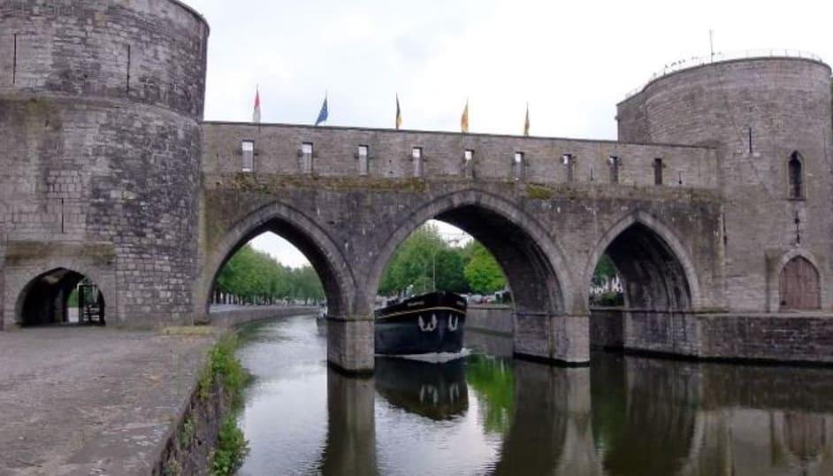 Medieval bridge shot down in Tournai - Belgium
