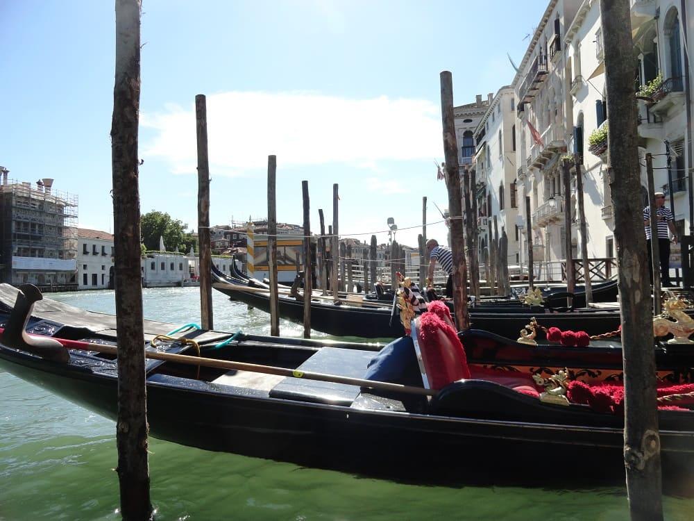 Gondola - venice fall in love