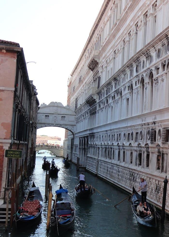 Venice Fall in Love - Small Channel