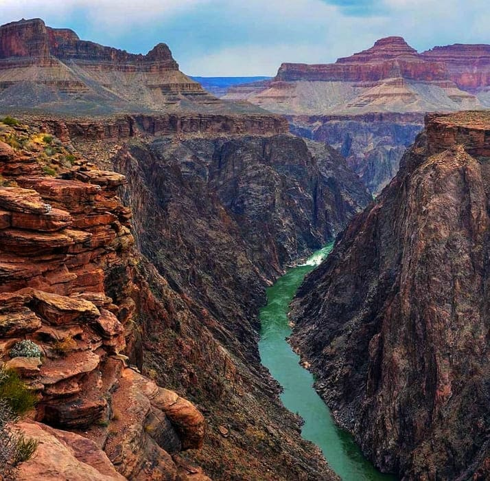Grand Canyon National Park - Arizona The one of the greatest shows in the world. Visiting the Grand Canyon National Park is having before us more than 80 million years of geological history. More than six million recreational visitors travel to Arizona