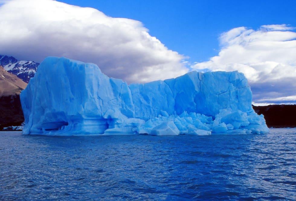 Hiking on Glacier Viedma - Iceberg