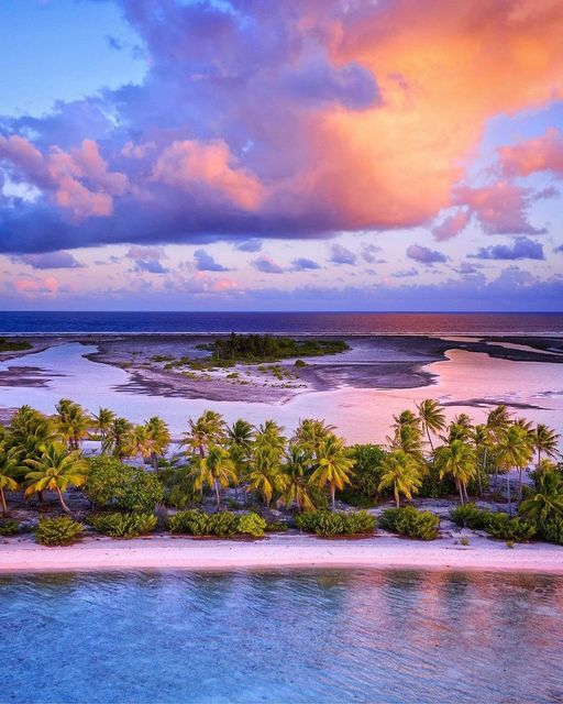 Pink sky and Beach Polynesia France - #Photo #photoftheday #amazing #beach