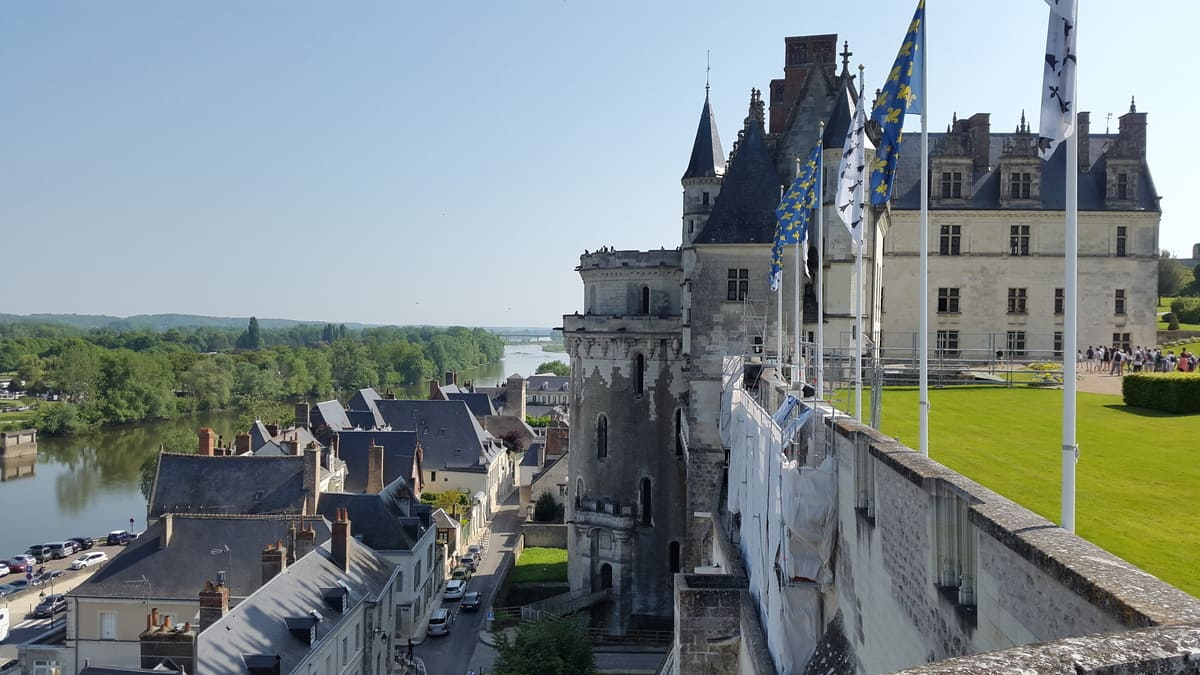 The Royal Castle of #Amboise (Château Royal d'Amboise) is located on top of a hill, overlooking the Loire and the medieval city, and has imposing walls. #France