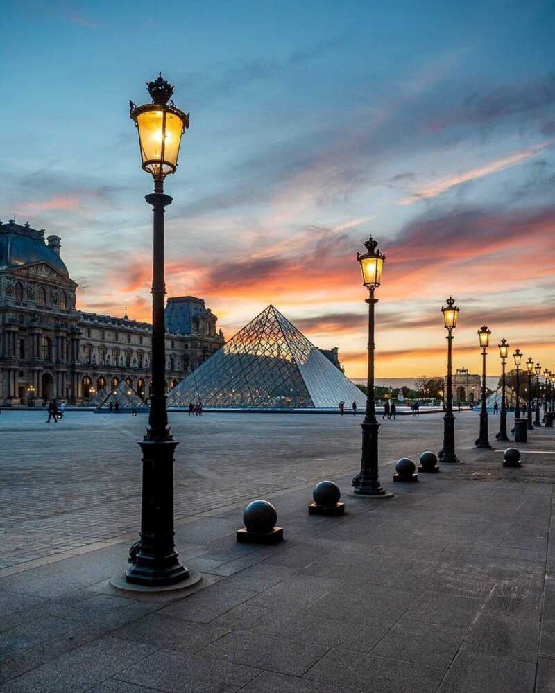 Paris Travel Guide 2020 : First Day #Paris #Travel Guide 2020: Walk in three days and get to know the main sites, included and some recommendations do not waste a minute of time #eiffel