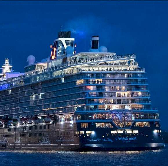 Cruise Travel with Volunteer Passengers in 2021